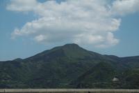 館浦港から見た安満岳館浦(3)