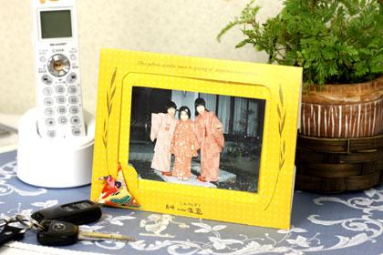 カステラについたメッセージカード。写真たてにもなります