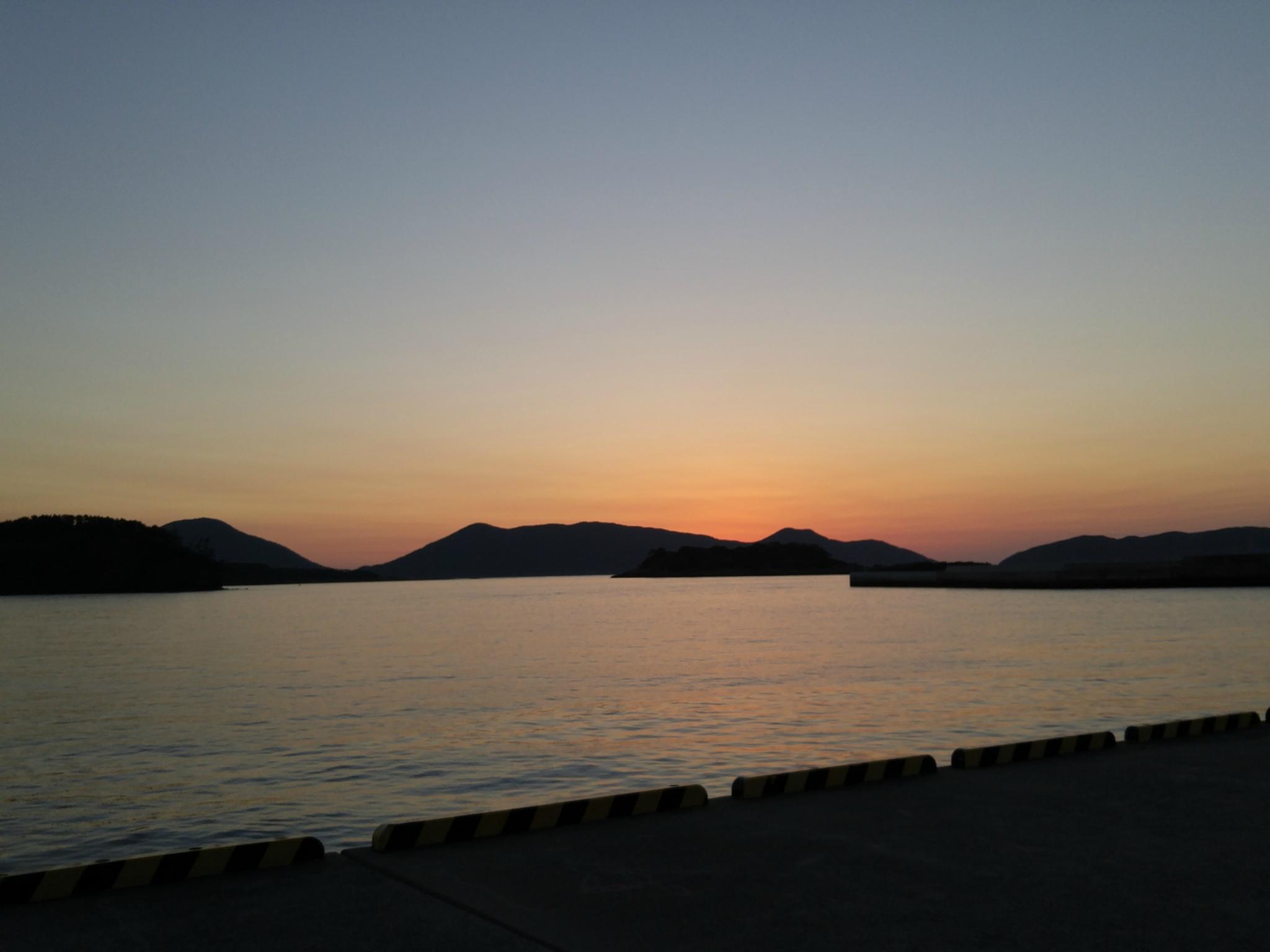 島の朝日に癒されます
