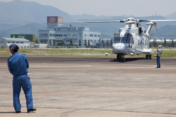 海上自衛隊大村航空基地、開隊60周年記念日行事ばさるく