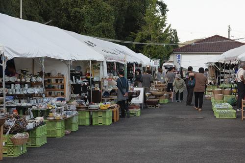三川内陶器市会場